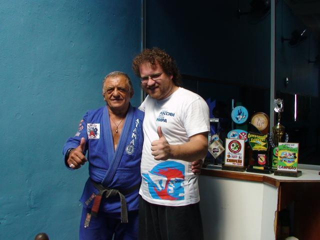 Maître Valeriy Maistrovoy en compagnie du Maître Orlando, 12 fois champion du monde de Jiu-Jutsu brésilien, à Rio de Janeiro.